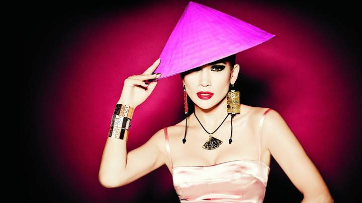 Jennifer Lopez Red Lips N Pink Triangle Hat